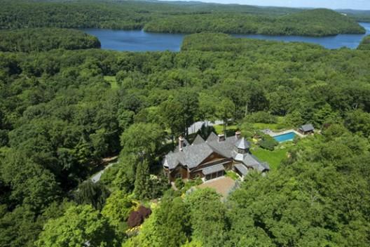 Bruce Willis Splashed Out $9 Million on Bedford Estate