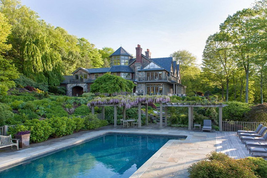 Bruce Willis Splashed Out $9 Million on Bedford Estate