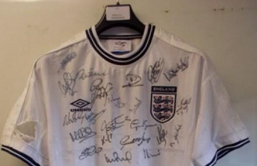 Bankrupt Goalkeeper David James Auctions Off His Signed Memorabilia