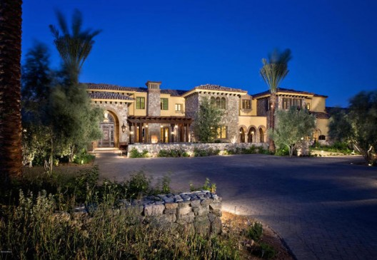 Incomparable Desert Living, Arizona on Sale