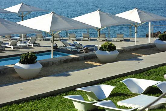 Farol design hotel in cascais portugal extravaganzi for Design hotel cascais