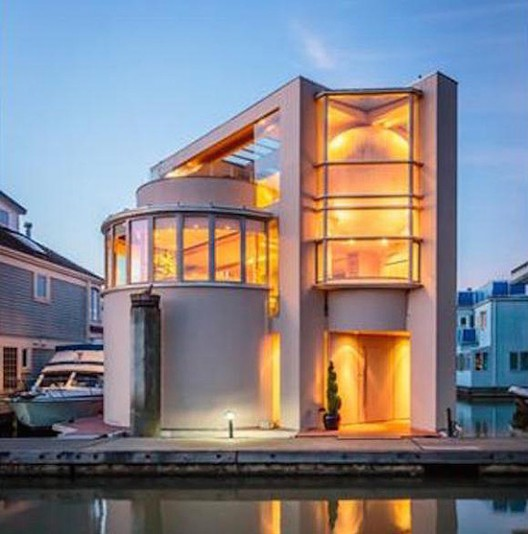 Floating Home in Ladner, British Columbia on Sale