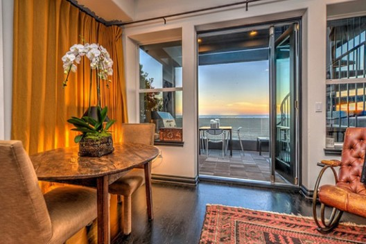 Villa on the Gold Coast, Santa Monica on Sale