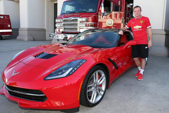 US carmaker has delivered to Manchester United football club, in April, 15 cars, Corvette and Camaro models