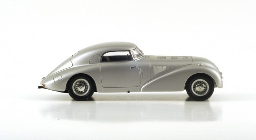 Mercedes 540K Streamliner in the ratio of 1:43 scale