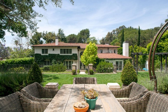 Reese Witherspoon Sold the Rest of her Brentwood Estate