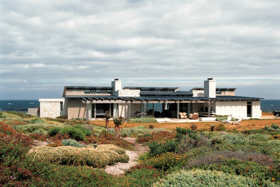 Sprecher Home at Hangklip, South Africa by SAOTA