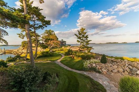 Tavern Island - Historic Single Family in Norwalk on Sale