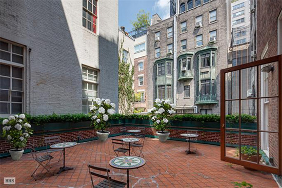 Historic Townhouse On 684 Park Avenue on Sale for $48 Million
