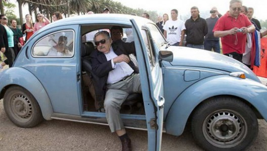 A million dollars for VW Beetle is the amount that the Arab sheik is ready to serve to Uruguayan President José Mujica in exchange for his blue Beetle from 1987