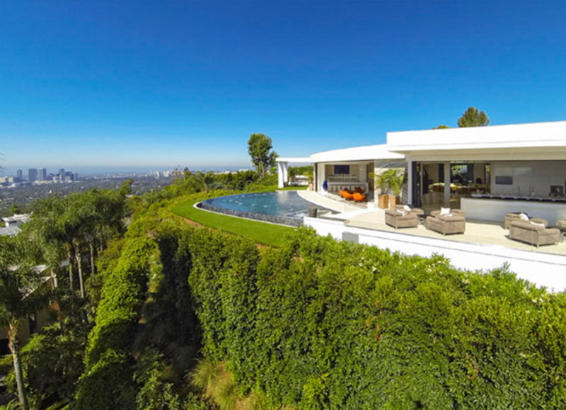Reduced Price For Bruce Makowsky S Beverly Hills Mansion