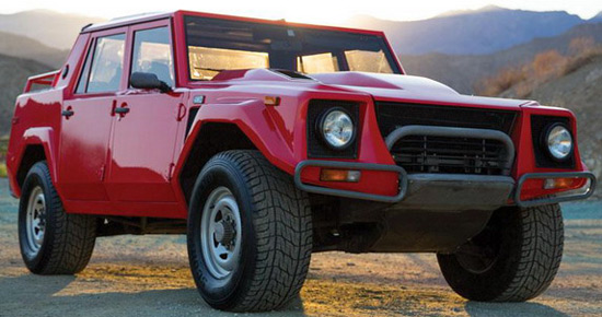 At RM Auctions, which will be held next month, will be offered a Lamborghini LM002 model