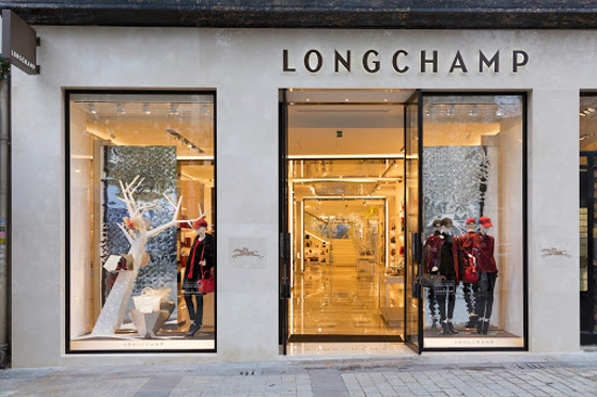 longchamp s new flagship store in paris extravaganzi. Black Bedroom Furniture Sets. Home Design Ideas