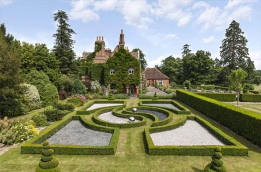 Ringo Starr's Mansion in Surrey on Sale