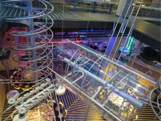 World's Biggest Roller Coaster Restaurant Opened in Abu Dhabi
