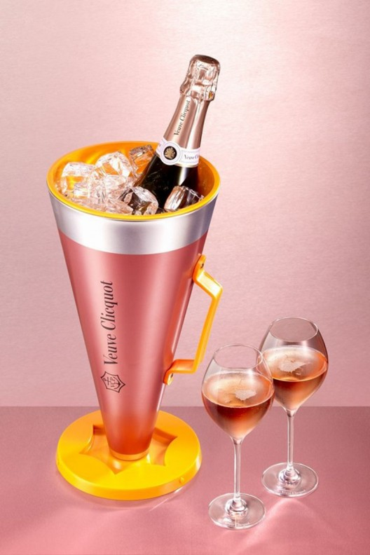 Veuve Clicquot Rosé Scream Your Love Package