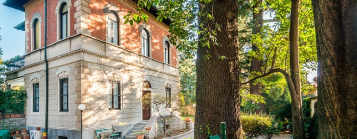 Vintage Villa Near Milan on Sale