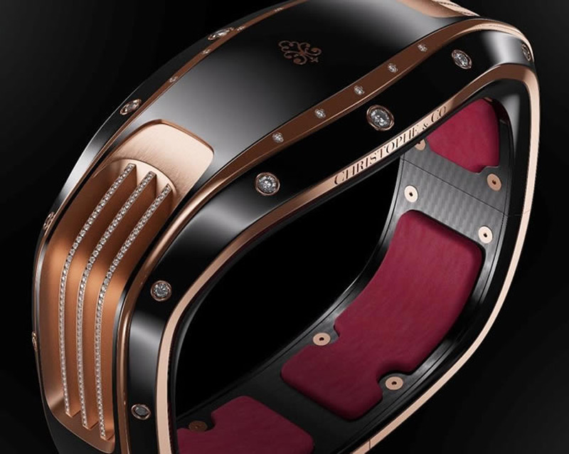 Armill - Luxury Self-charging Smart Bracelet by Christophe & Co. And Pininfarina