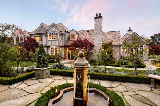 California Home That Offers Luxurious 5 Star Living On Sale