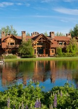 For $10,9 Million This Custom Log Estate in Wyoming Can Be Yours