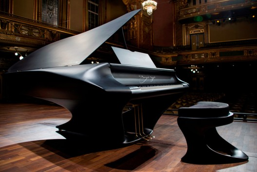 Gergely Bogányi's Grand Piano of the Future