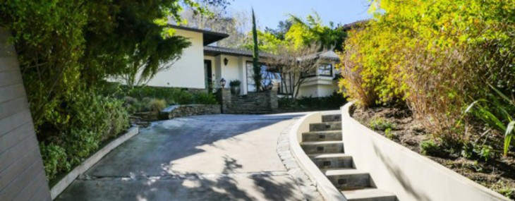 Leighton Meester Is Selling Her Encino Bachelorette Pad