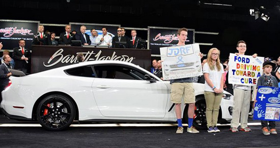 The First Copy Of The Mustang Shelby GT350R Sold For $1Million
