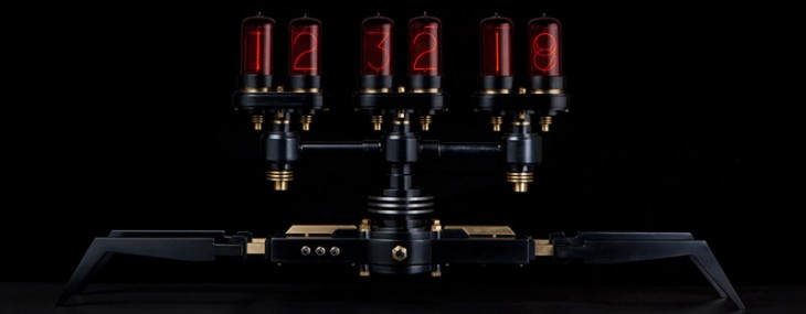 Frank Buchwald's Nixie Machine - Clock with Soviet-Made Nixie Tubes