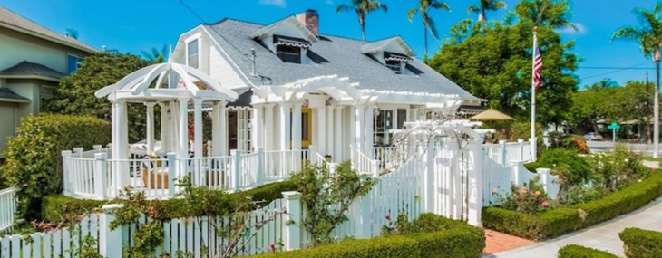 Quaint Coronado Cottage – Perfect Beach Getaway