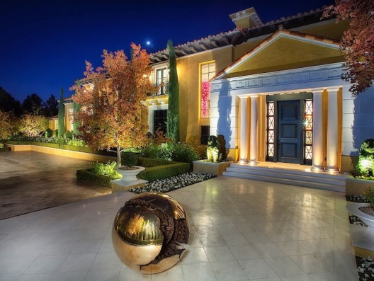 Rameses Estate in The Enclave at Country Club Hills on Sale for $28 Million