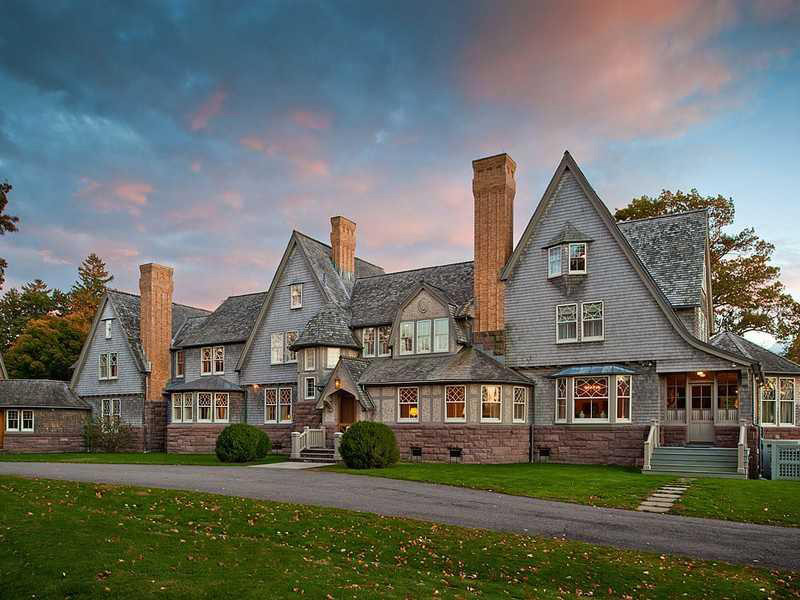 Belle Haven Masterpiece - Greenwich Timeless Estate on Sale for $20 Million