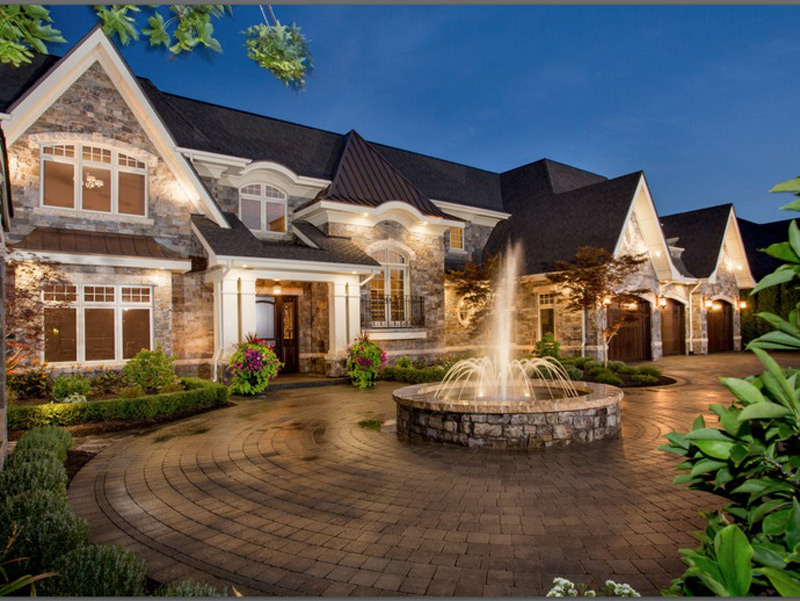 Dream lakefront kelowna mansion on sale extravaganzi for Dream homes georgia