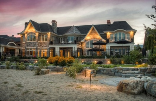 Dream Lakefront Kelowna Mansion On Sale Extravaganzi