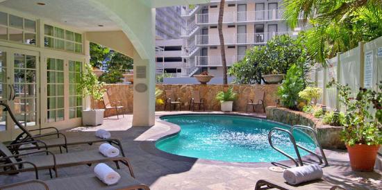 Shoreline Hotel Hawaii de Vivre's Hawaii Hotels