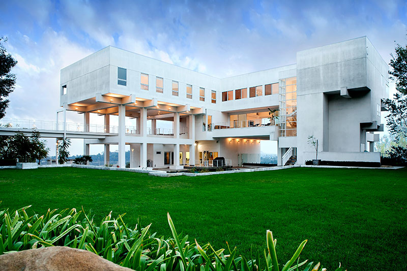 Ted Tanaka Designed Modern Estate on Sale for $16,5 Million