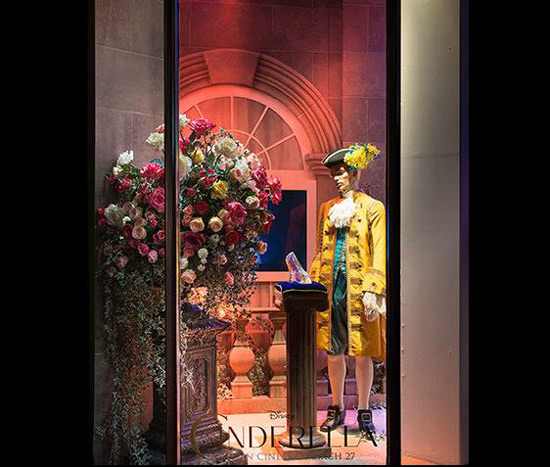Cinderella 39 s magical world at harrods windows extravaganzi for Door 4 harrods