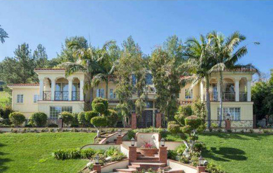 David hasselhoff 39 s calabasas home on sale extravaganzi for Homes for sale in calabasas gated community