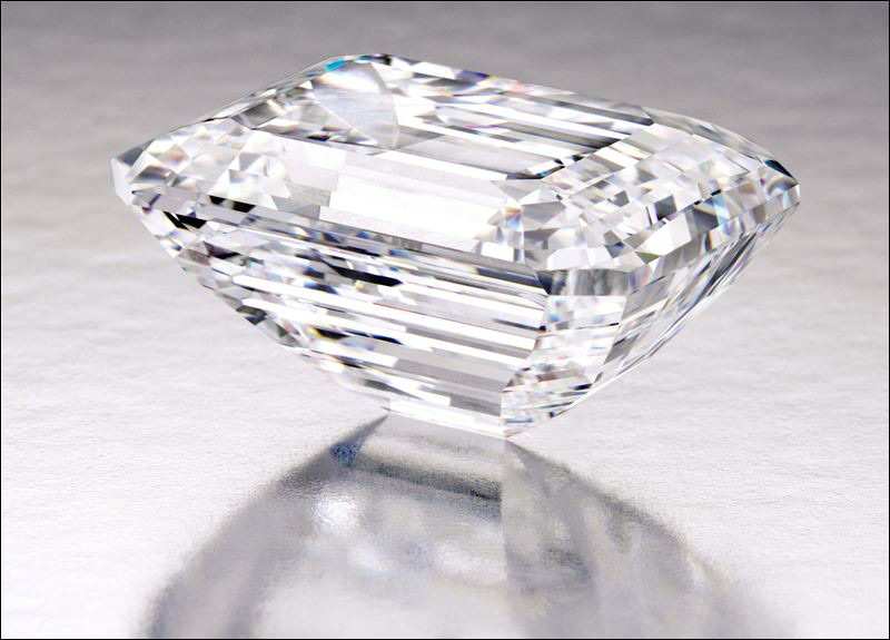 "Internally ""Flawless"" 100-carat Diamond Could Fetch $25 Million at Auction Next Month"