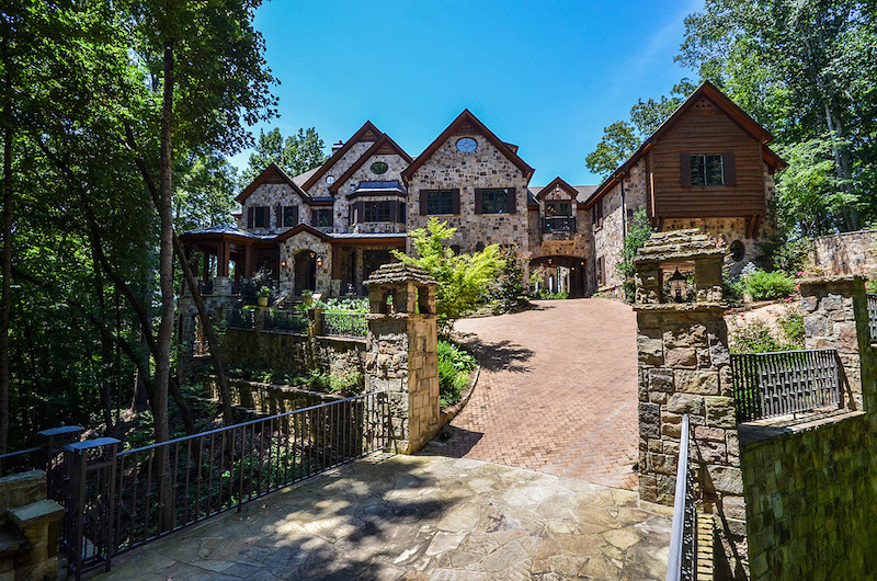 Remarkable Sandy Springs Manor On Sale Extravaganzi