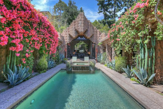 Lloyd Wright's Iconic 'Sowden House' Back on the Market