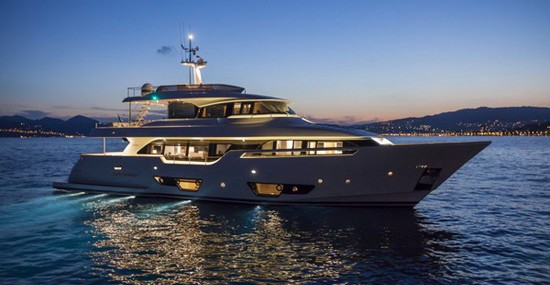 Luxury Navetta 28 Yacht By Ferretti