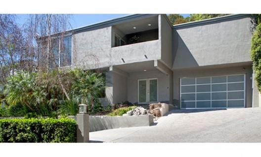 Osbourne Sisters' West Hollywood Homes Back on the Market