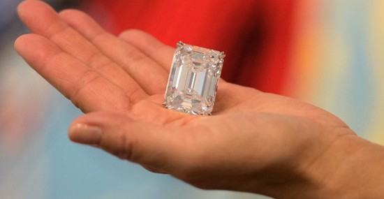 """Perfect"" 100-carat Diamond Sold for $22 Million in Just 3 Minutes of Bidding"