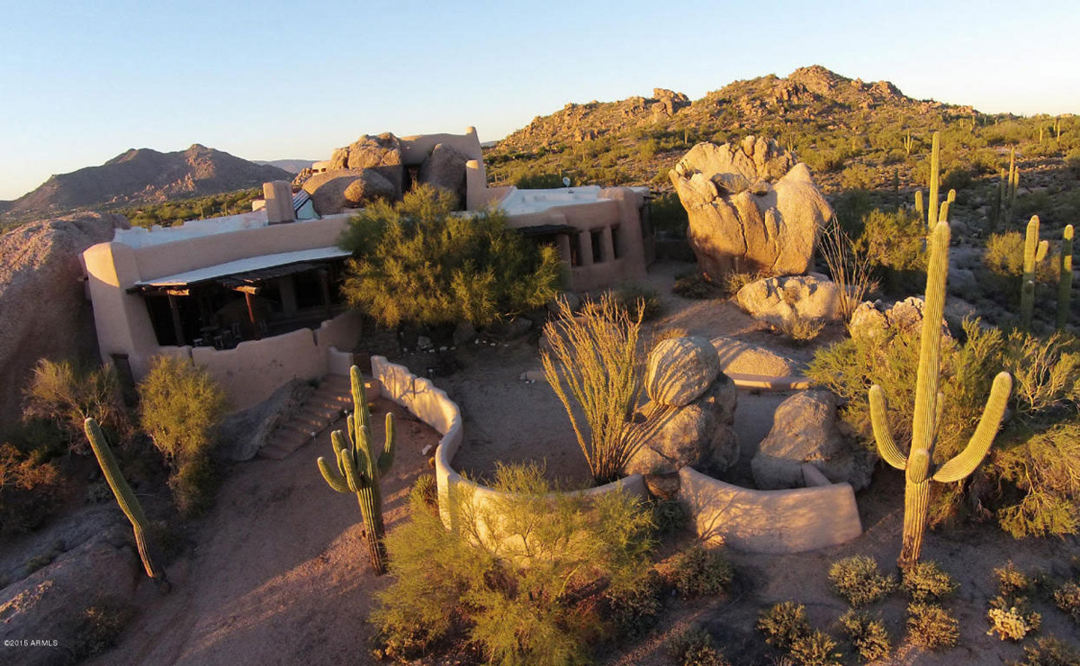 The world renowned boulder house on sale for 4 2 million for Building a house in arizona