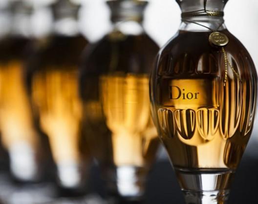 Experience Dior's Legacy Through Customizable Amphoras