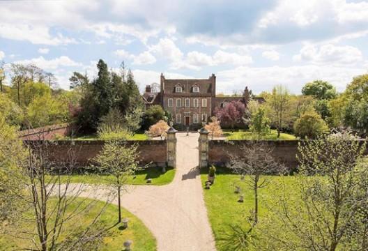 Downton Abbey Mansion