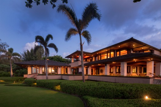 Hawaiian Oceanfront Estate Along Famed North Shore in Kauai At Auction