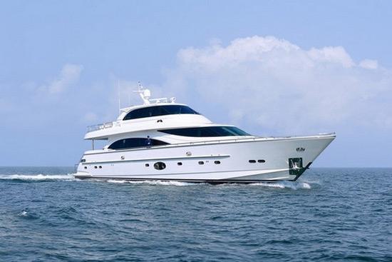 Horizon E88 Skylounge Yacht