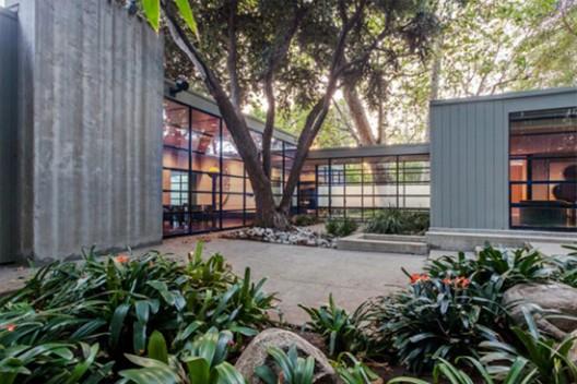 Jerry Bruckheimer's Brentwood Mansion