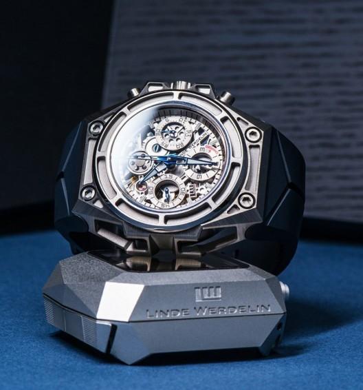 Linde-Werdelin-SpidoSpeed-Titanium-Watch1
